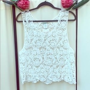 NWT- BOHO OFF WHITE CROCHET CROP TOP SIZE LARGE